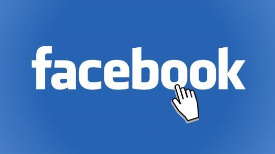 Социальная сеть Facebook  запретил разработчикам использовать данные соцсети для слежки