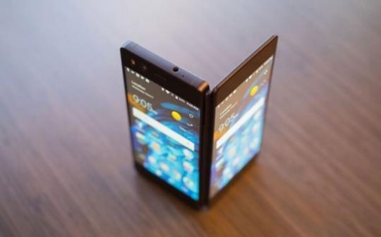 IPhone Xпризнан лучшим телефоном 2017 года навыставке MWC